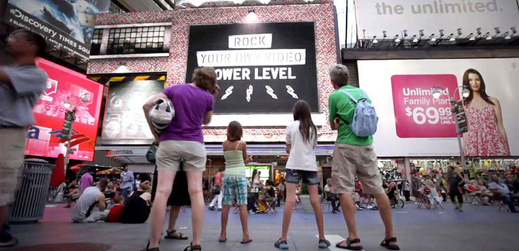 Interactive Digital Billboard Retail American Eagle - Wildbytes
