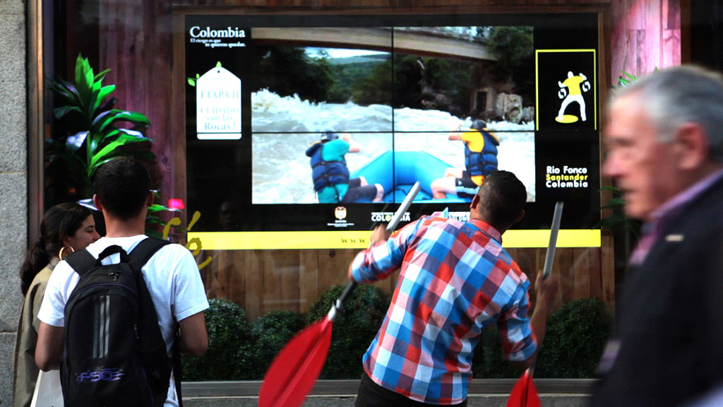 Interactive National Geographic Storefront - Wildbytes